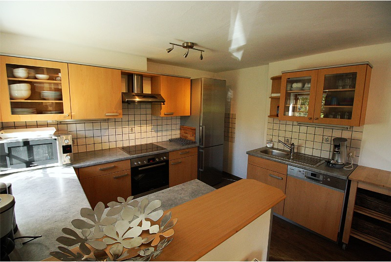 keuken, voorzien van alle inbouwapparatuur 1