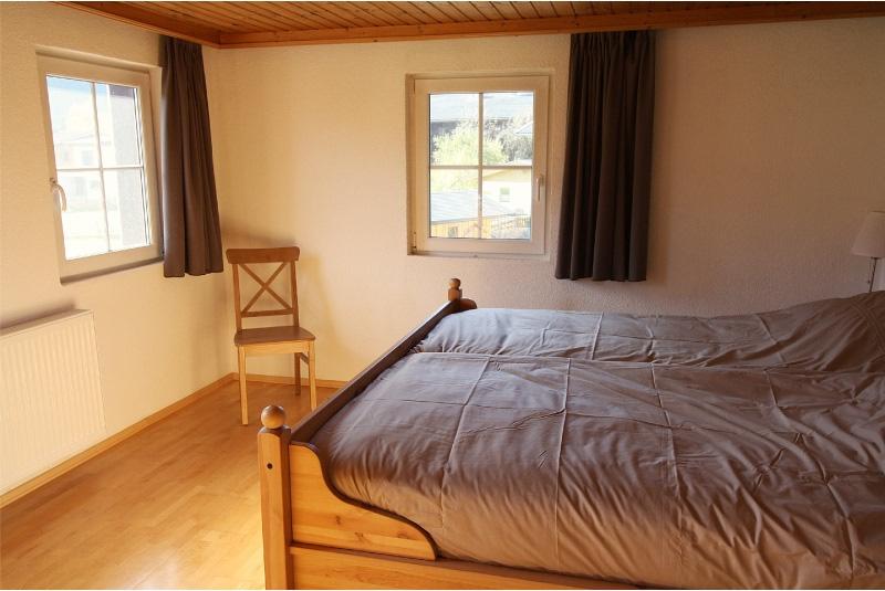 laapkamer 2 met mooi uitzicht en comfortabel 2 persoonsbed
